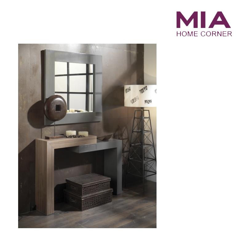 Consola de madera y marco de espejo. Mia Home Tienda de Muebles Madrid.